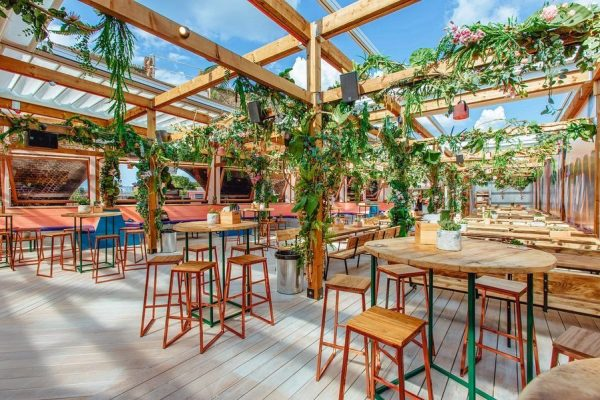 Lost-in-Brixton-Retractable-Roof-System-Pergola-Awnings-1.2